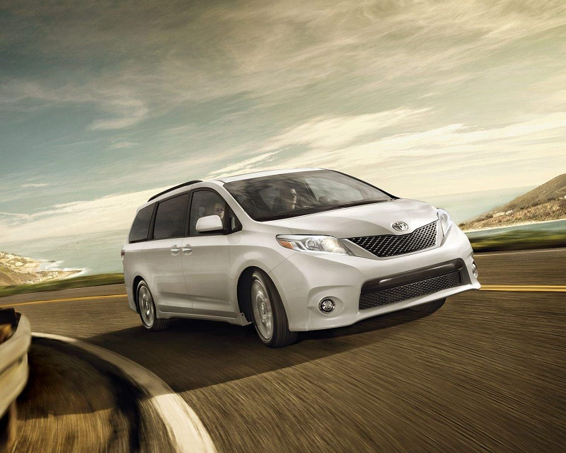 2017-toyota-sienna-exterior-front-end